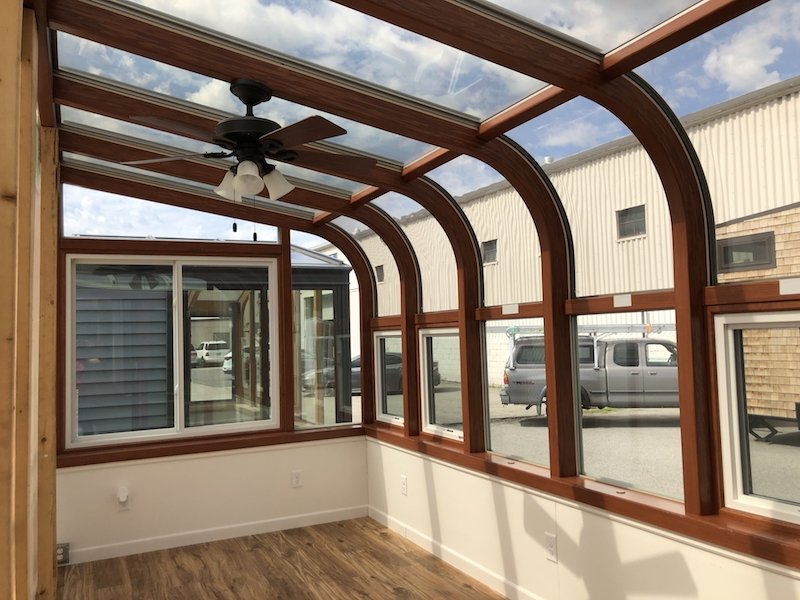 Four Season Curved Eave Display Sunroom